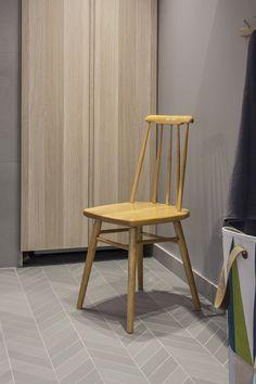 BARE INSPIRASJON; Leilighet Oslo | FagFlis FLISER: Mutina Mews Chevron Pigeon (5,5x39,54) 4340,- Home Renovation, Bar Stools, Tiles, Dining Chairs, Bathroom, Showers, Chevron, Furniture, Home Decor