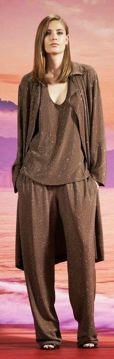 Gucci Resort 2014... Love the sparkle, the color, looks super comfortable, and it's Gucci!!!!