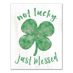 Saint Patricks Day Art, St Patricks Day Crafts For Kids, St Patrick's Day Crafts, Diy Canvas Art, Canvas Art Prints, Summer Chalkboard Art, Large Chalkboard, St. Patrick's Day Diy, St Patrick's Day Decorations