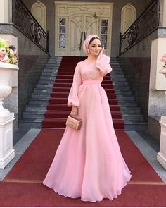 Ideas For Dress Brokat Modern Lace App Hijab Prom Dress, Hijab Gown, Hijab Evening Dress, Hijab Wedding Dresses, Prom Dresses With Sleeves, Simple Dresses, Elegant Dresses, Evening Dresses, Abaya Fashion