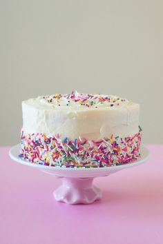 buttercream icing for a six-inch cake (good to have handy)