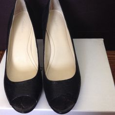Open Toe Black Reptile Print Black Heels. Size 8M Mail Pearlized Reptile Print. Calvin Klein Shoes Heels