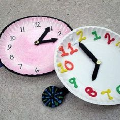 {Happy New Year Fun!} New Year's Countdown Clock Craft for Kids | Looksi Square