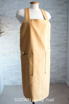 Learn how to sew your own utility aprons with this DIY apron pattern using cotton canvas from Canvas Etc. Includes simple step-by-step tutorial and free printable pattern template. Apron Pattern Free, Pocket Pattern, Sewing Terms, Sewing Patterns, Sewing Tutorials, Sewing Projects, Sewing Ideas, Craft Projects, Japanese Apron