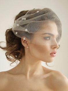 Ivory Wedding Veils, Wedding Garter Lace, Birdcage Wedding, Birdcage Veils, Wedding Flowers, Daisy Flowers, Tulle Wedding, Wedding Reception, Rustic Wedding