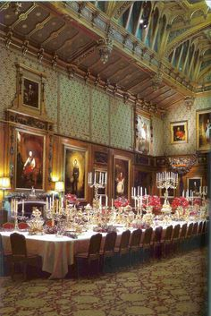 The Waterloo Chamber at Windsor 🏰,built in and dedicated to the military defeat of the French Emperor Napoleon Bonaparte by British, Prussian, Russian and Austrian forces under the command of the Duke of Wellington at the Battle of Waterloo. Beautiful Castles, Beautiful Homes, Beautiful Places, Versailles, Palace Interior, Famous Castles, Royal Residence, Windsor Castle, Buckingham Palace