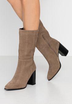 Bullboxer Bottes à talons hauts - brown - ZALANDO.FR Zalando Shoes, Bullboxer, Booty, Ankle, Fashion, High Heeled Boots, Men Styles, Leather, Moda