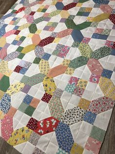 No pattern name. Used my scraps Patchwork Quilt Patterns, Scrappy Quilts, Easy Quilts, Small Quilts, Applique Quilts, Patch Quilt, Quilt Blocks, Quilting Projects, Quilting Designs
