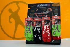 La firma italiana Akkua llega a PuntoFuerte con su calcetín técnico para deportes de playa. Nuevo artículo disponible en tienda física y en www.puntofuerte.es