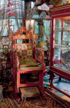 Mad Hatter's chair ......