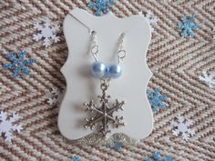 Snowflake & Swarovski Ice Blue Pearl Charm 'Y' Drop Necklace. Snowflake necklace. Gift for her. Winter wedding jewellery. Y style Necklace by HazelsWeddingShop on Etsy