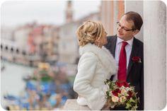 An intimate autumn wedding photo service in Venice