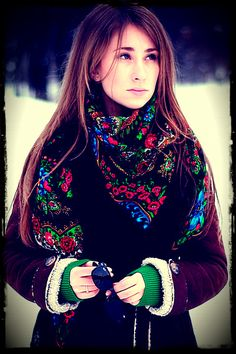 Russian floral shawl A LA RUSSE Russian Style, Russian Fashion, Typical Russian, Scarf Styles, Christmas Sweaters, Beautiful Scarves, Textiles, Scarfs, Fashion Ideas