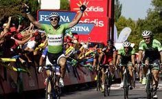 #Vuelta Vince ancora Degenkolb allo sprint, Froome guadagna 2 secondi: Aru a +50'' da Matthews http://yhoo.it/VQJPXr