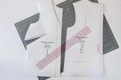 How to straighten the hem on the Dove blouse by Megan Nielsen Patterns Computer Paper, Bias Tape, Hemline, Patterns, Sewing, Blouse, How To Make, Block Prints, Dressmaking