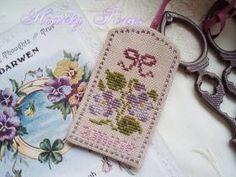 Le Chalet des Pérelles 【Free chart】 Fabric : Lakeside Linen 40ct-Vintage Basketweave Thread : DMC