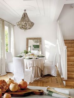 〚 Centennial villa with a small garden in the heart of Madrid 〛 #classic #dining #area #white #wood #interior #design #home #decor #idea #Inspiration #cozy #Living #style #space #house #interiordesign #homedecor Living Room Remodel, Living Room Paint, Living Room Colors, Home Living Room, Living Room Decor, Simple Living Room, Small Living Rooms, Cozy Living, Living Room Trends