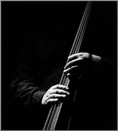 Upright bass is about 5 times harder than its guitar cousin. Much respect to anyone who has mastered this instrument, I'm having a hard time just getting it to sound decent! Louise Bourgeois, Alberto Garcia, Best Guitar Players, Learn To Play Guitar, Guitar For Beginners, Guitar Tips, Jazz, Concert Photography, Chiaroscuro