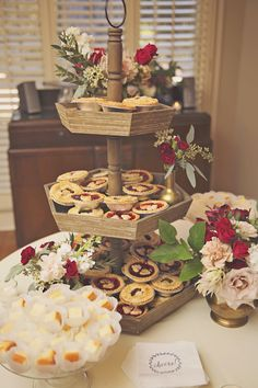 Mini single serving pies are the sweetest and cutest little treats! #cedarwoodweddings 11.04.2016 :: Morgan+Ryan | Cedarwood Weddings