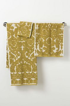 Perpetual Blooms Towels  $8.00–$36.00    A full set in the Green would be dreamy! :)