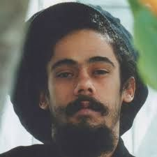 Damian Marley 🇯🇲 singer songwriter and the youngest son Of Jamaican 🇯🇲 Superstar Bob Marley Damian Marley, Marley Brothers, Bob Marley Legend, Bob Marley Pictures, Marley Family, Free Your Mind, Reggae Music, Brown Aesthetic, Baby Daddy