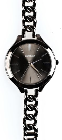black chain watch  http://rstyle.me/n/pzg22pdpe