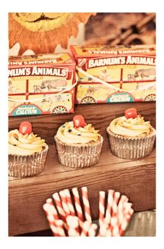 Vintage Circus Birthday Party Cupcakes www.spaceshipsandlaserbeams.com