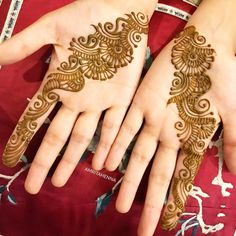Image may contain: 1 person Pretty Henna Designs, Mehndi Designs For Kids, Mehndi Designs 2018, Mehndi Designs For Beginners, Modern Mehndi Designs, Dulhan Mehndi Designs, Mehndi Design Pictures, Wedding Mehndi Designs, Mehndi Designs For Fingers