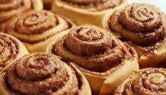 : Die kleinen, kalorienarmen Zimtkringel aus Dinkelmehl sind schnell zubereitet und schmecken nicht nur in der Weihnachtszeit unwiderstehlich lecker