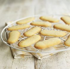Langues de chat biscuits: light, crunchy French biscuits, perfect for a refined teatime treat