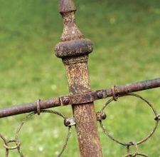remove rust from a wrought iron fence