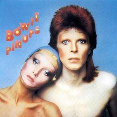 Pin Ups (1973)    Le mannequin Twiggy apparait sur la pochette qui devait initialement être l'image de couverture de l'édition européenne de Vogue, juste avant que Bowie ne tombe amoureux de la photo et décide qu'elle devienne plus qu'une simple photo de magazine. La photo s'est concrétisée car Bowie fait référence à  Son petit-ami,, raconte qu'ils roulaient dans Los Angeles lorsqu'ils ont entendu la chanson à la radio, ce qui lui a donné l'idée d'organiser une séance ensemble pour Vogue.