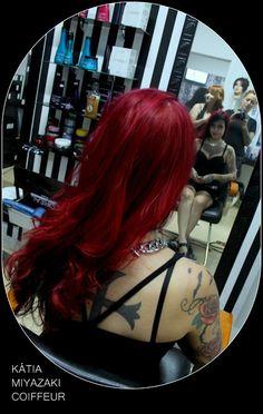 Katia Miyazaki Coiffeur - Salão de Beleza em Floripa: cabelo vermelho - vermelho cereja - vermelho inten...