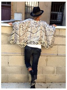 Poncho sequins