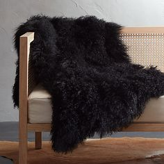 On sale. Made from Mongolian natural sheepskin, this crazy-soft, super-chic throw has enviable natural curl. And since no two are exactly alike, throws will vary in density and length. White Faux Fur Throw, Leather Daybed, Saddle Leather, Cable Knit Throw, Sheepskin Throw, Faux Fur Blanket, Knitted Throws, Decorative Throws