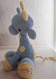 Jirafa amigurumi in Spanish Crochet Patterns Amigurumi, Crochet Dolls, Knitting Patterns, Cute Crochet, Crochet Baby, Yarn Monsters, Crochet Animals, Stuffed Toys Patterns, Yarn Crafts