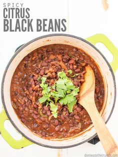 Our Favorite Black Beans Recipe Sure to be your new favorite crockpot black bean recipe! These slow cooker spicy citrus black beans Healthy Dinner Recipes, Real Food Recipes, Healthy Snacks, Meatless Recipes, Easy Recipes, Slow Cooker Beans, Slow Cooker Recipes, Black Beans Recipe Crock Pot, Southwestern Salad