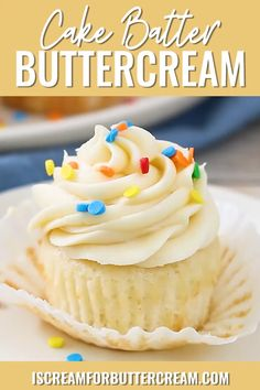 Cake Batter Buttercream Frosting This is the perfect homemade frosting recipe if you love the taste of cake batter. This cake batter buttercream is great on cupcakes, cakes or as a filling. Add sprinkles and you've got the perfect birthday treat. Homemade Frosting Recipes, Homemade Cakes, Moist Cupcake Recipes, Cake Filling Recipes, Homemade Breads, Köstliche Desserts, Delicious Desserts, Dessert Recipes, Baking Recipes