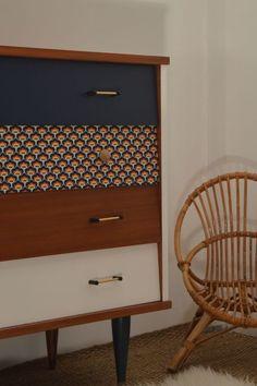 Retro Home Decor Refurbished Furniture, Repurposed Furniture, Furniture Makeover, Painted Furniture, Industrial Furniture, Furniture Projects, Home Furniture, Furniture Design, Bedroom Furniture