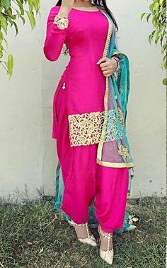 Latest Punjabi Suit Designs Punjabi Fashion, Indian Fashion Dresses, Indian Designer Outfits, Punjabi Salwar Suits, Punjabi Dress, Indian Salwar Kameez, Indian Suits Punjabi, Patiala Dress, Latest Punjabi Suits Design