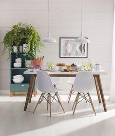 Feriado pede uma mesa bem preparada para reunir a família e os amigos. Abra espaço para plantas e renove as energias do lar! Produto: - Conjunto 4 Cadeiras Eames PP Branca Base Madeira; - Mesa de Jantar Retangular Groove 1.6 Branca; - #ProduçãoCasaMobly #CasaMobly #producaomobly #Mobly #MoblyBr #decoration #instadecor #instahome #casa #home #interiordesign #homedesign #homedecor #homesweethome #inspiration #inspiração #inspiring #decorating #decorar #decoracaodeinteriores