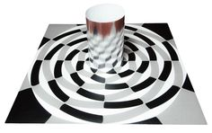 Morphing Optical Illusion. Cylindrical Mirror Anamorphoses. Visual Optical Illusion anamorphosis anamorphose