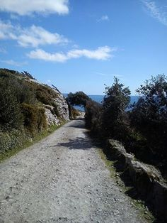 The walk down to Prussia Cove #Cornwall