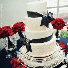 Classy wedding cake!