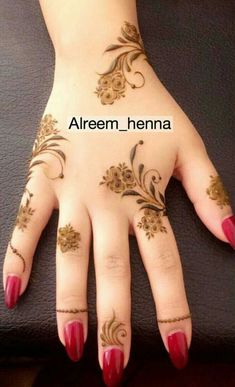 Cute Henna Designs, Mehndi Designs Book, Henna Designs Feet, Arabic Henna Designs, Stylish Mehndi Designs, Mehndi Designs For Fingers, Mehndi Design Photos, Mehndi Patterns, Bridal Henna Designs