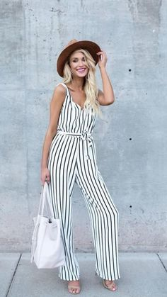striped jumpsuit-Casual spring to summer outfits – Just Trendy Girls Casual Dresses, Casual Outfits, Summer Outfits, Cute Outfits, Fashion Outfits, Mini Dresses, Pink Fashion, Woman Fashion, Ball Dresses
