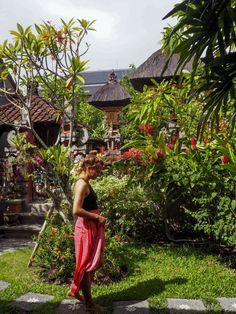 Wer sollte eine Gästehaus beziehen, für wen lohnt sich eine Hostelnacht und wer sollte lieber im Hotel nächtigen? Das erfahrt ihr hier. Denpasar, Padang, Bali, Harem Pants, Table Decorations, Life, Fashion, Pretty Pictures, Moda