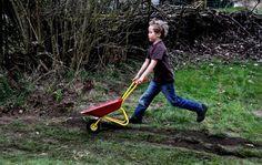 Was mit Kindern passiert, die die meiste Zeit nicht zu Hause, sondern in einer Tagesstätte verbringen. Zur Lage der Familien und zum aktuellen Stand der Forschung