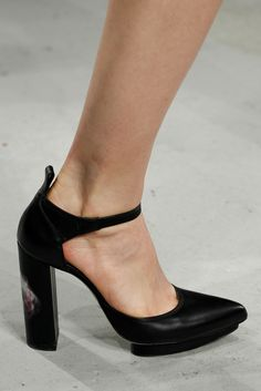 Christopher Kane Fall 2014 Ready-to-Wear - Collection - Gallery - Style.com