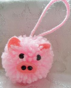 Animals dog hedgehog pig mouse panda frog owl penguin chick bunny animal decoration animal ornament pompom nursery decoration baby shower These super cute pompom animals are available in 11 designs. They are approximately 6cm high with a 5cm hanger. The animals available are dog, cat,